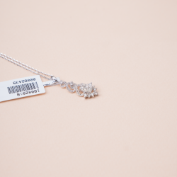 عقد الماس ناعم